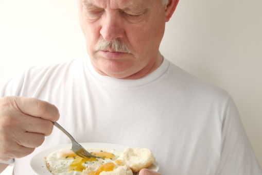 Can the Elderly Benefit From Eating Eggs Regularly?